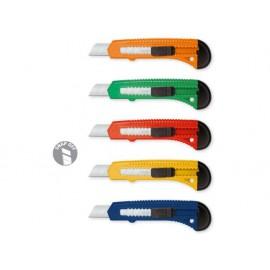 Нож макетен с острие 18 мм